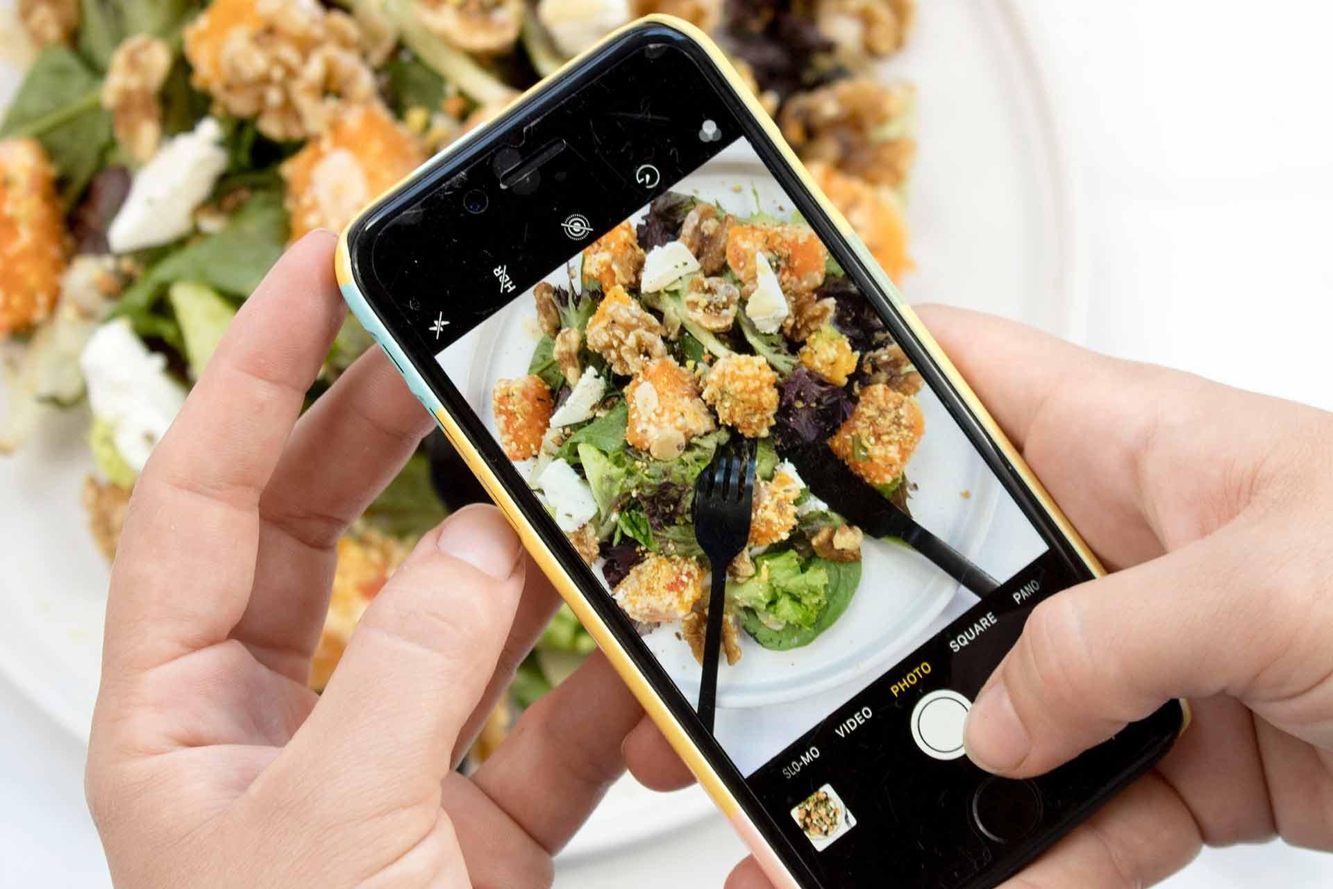 Food marketing sui social media